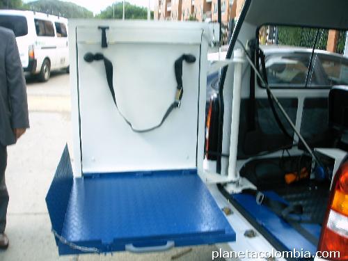 Fotos de rampas para veh culos discapacitados for Rampa de discapacitados